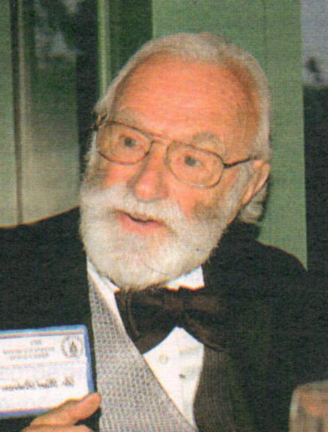 Нейрохирург Карл Прибрам посвятил свою жизнь изучению мозга
