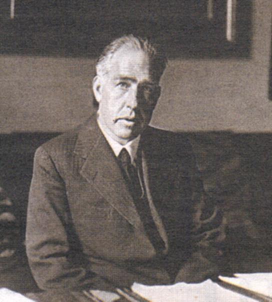 Нильс Бор в своем кабинете. 1935 год