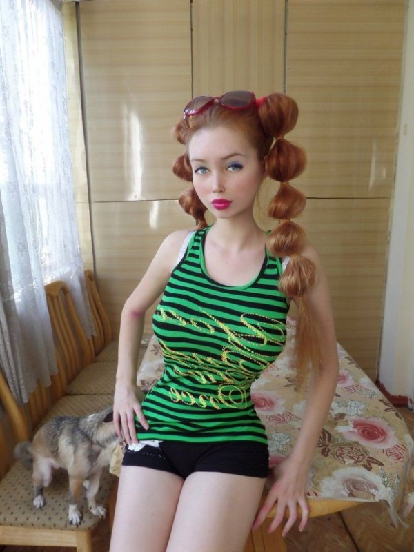 Живая Барби - это Лолита Ричи! (15 фото)